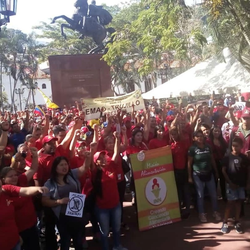 (Fotos) Trujillanos salieron masivamente a firmar para rechazar bloqueo de EEUU contra Venezuela 68898611