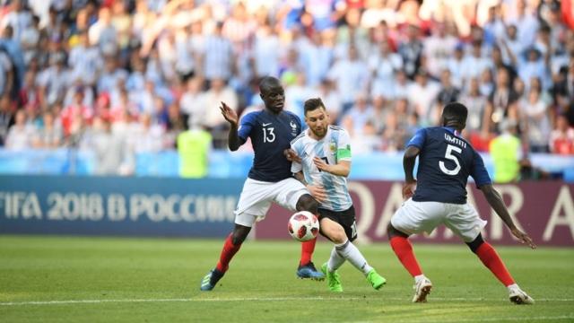 Argentina dio la batalla, pero cayó ante Francia 4-3, que pasa a cuartos de final en Rusia 2018 98795810