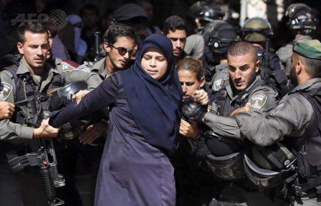 Sin DDHH: Israel reprime brutalmente a mujeres palestinas y deja más de una docena heridas A2bmez10