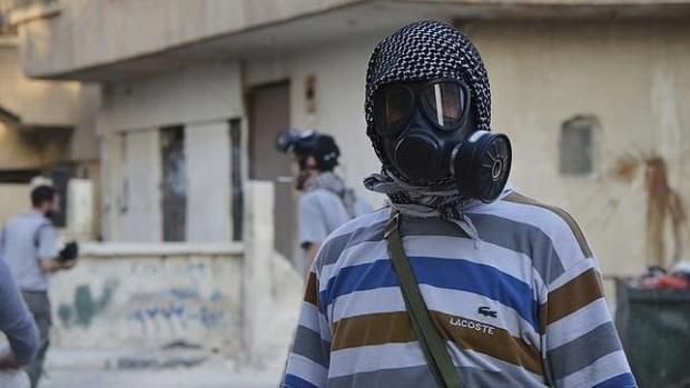 Denuncian que EEUU prepara un ataque químico en Siria para culpar al gobierno de Bashar al Assad Activi10
