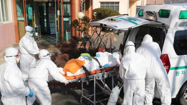 El 70 % de los fallecidos por coronavirus en Italia son hombres