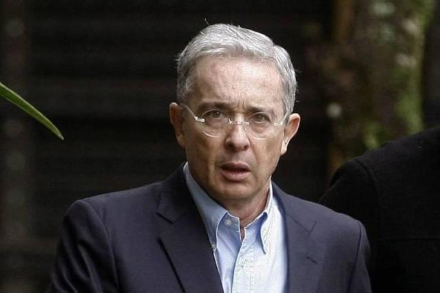 Álvaro Uribe renuncia al Senado de Colombia tras llamado a indagatoria de la Corte Suprema Alvaro10