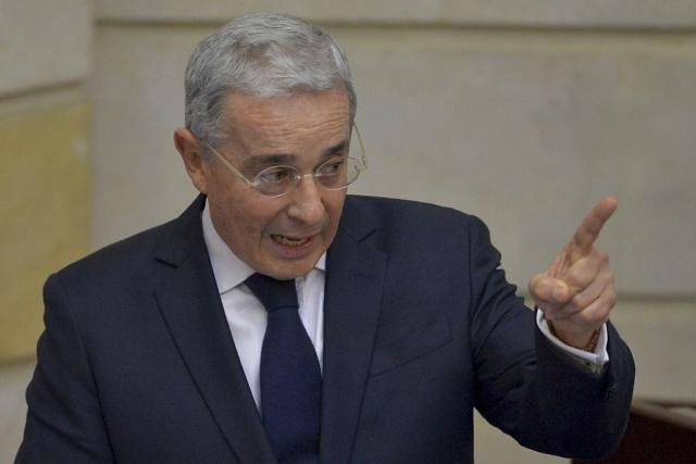 Narcotraficante y paramilitar Álvaro Uribe Vélez