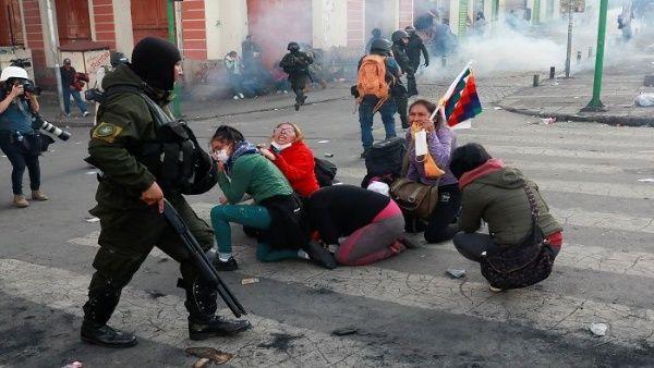 Represión policial en Bolivia de la dictadura de Jeaninne Añez