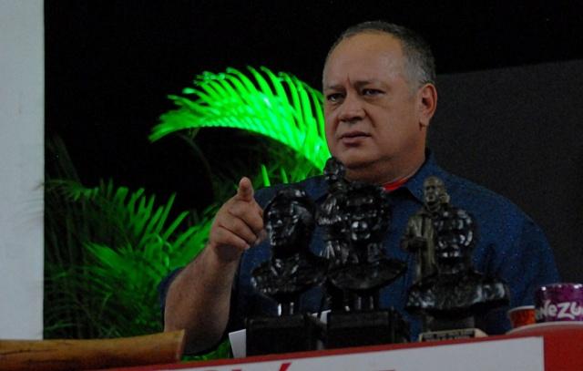 Diosdado Cabello sobre bloqueo de EEUU: No nos dejemos cercar por el poder económico Cabell10
