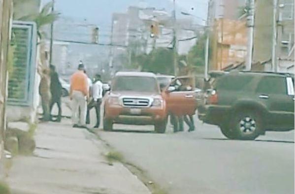 Funcionario de seguridad de la Alcaldía de Valera aprovechaba coronavirus para salir a atracar en camioneta oficial Captur81