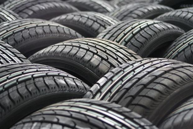 Neumáticos, cauchos, llantas