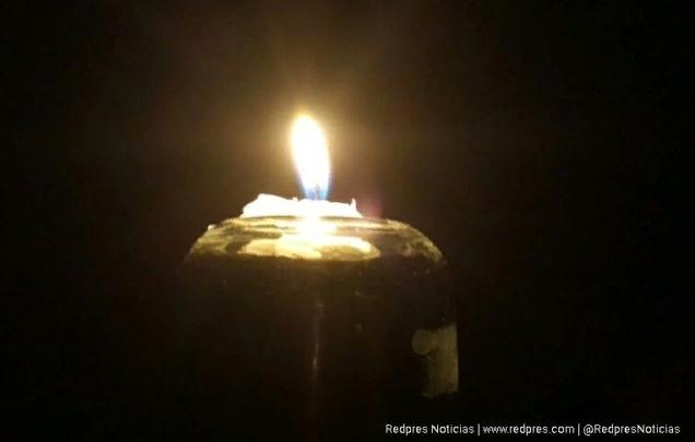 Sin electricidad, Vela, Sin Luz