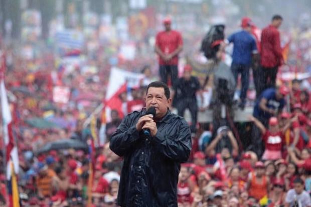 Presidente Maduro: Chávez sigue de pie con nosotros a seis años de su cierre de campaña Chavez10