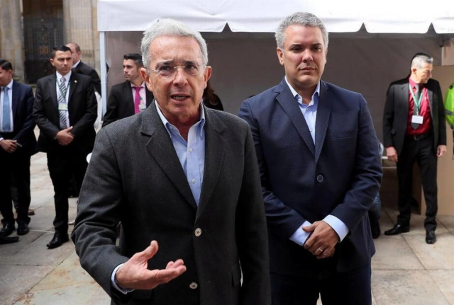 New York Times: Tres testigos vinculan a la familia Álvaro Uribe con paramilitares Colomb10