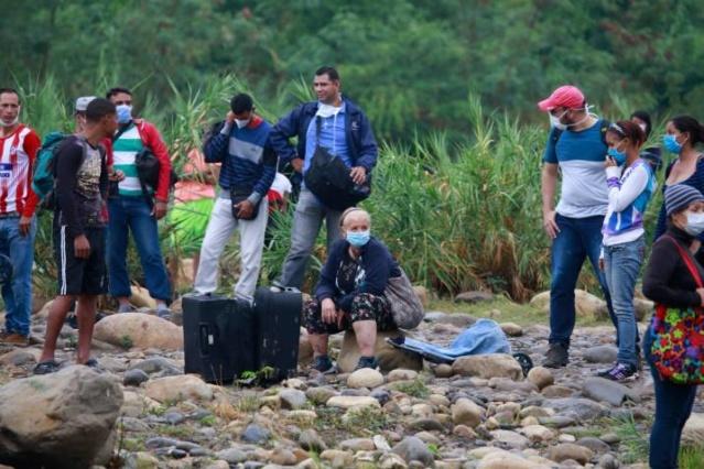 Venezuela: Migrantes que retornan al país desde Colombia por trochas ilegales son principal fuente de contagio de coronavirus Colp-e10