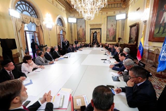 Reunión en Miraflores