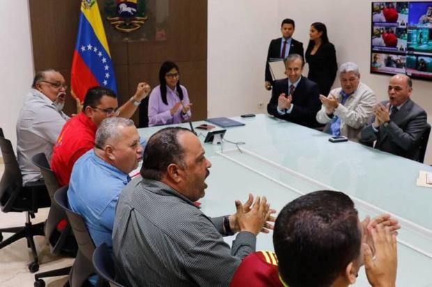Firma del acta de acuerdo de tablas salariales de Petróleos de Venezuela (Pdvsa) y las Industrias Básicas