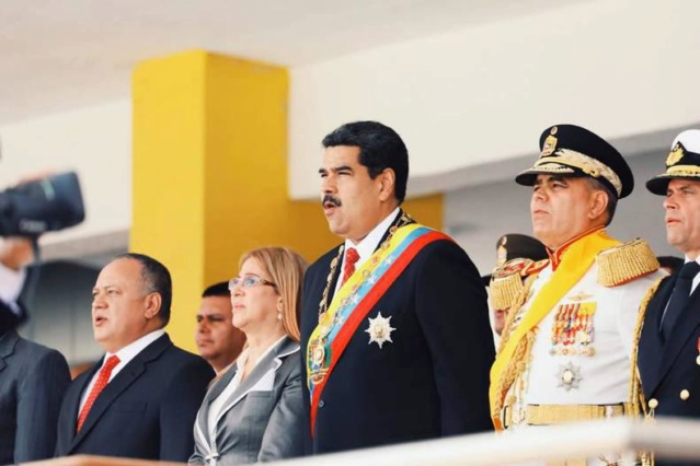 Presidente Maduro llama a sellar la paz e independencia económica de Venezuela Desfil10