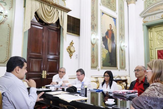 Presidente Maduro llama a fortalecer Barrio Adentro y sistema hospitalario Diqbdx10