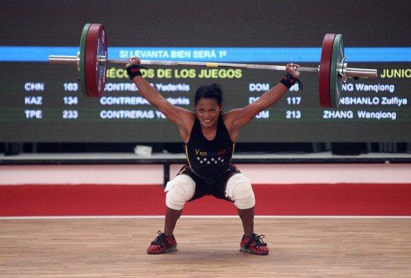 Pesista Génesis Rodríguez consigue dos medallas de oro en jornada sabatina de los Centroamericanos Diqglk10