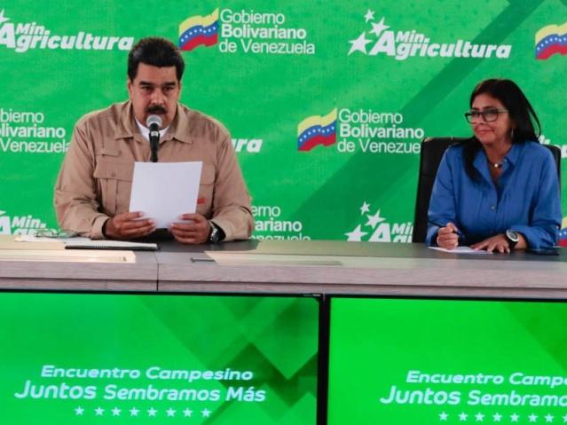 """Maduro ordena devolver tierras arrebatadas a los campesinos: """"Es orden de estricto cumplimiento"""" Djommd10"""