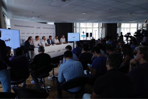 Futbolistas españoles prometen una huelga si no se suspenden los partidos programados en EEUU Dloekl10