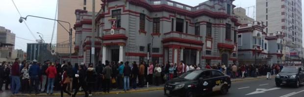 Grupos de venezolanos en Perú continúan regresando a Venezuela tras recibir apoyo de Maduro Dmrbmb10