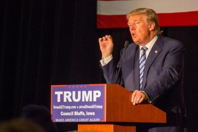 Por apenas cuatro votos de diferencia el Senado de EEUU absuelve a Trump en el juicio político Donald25