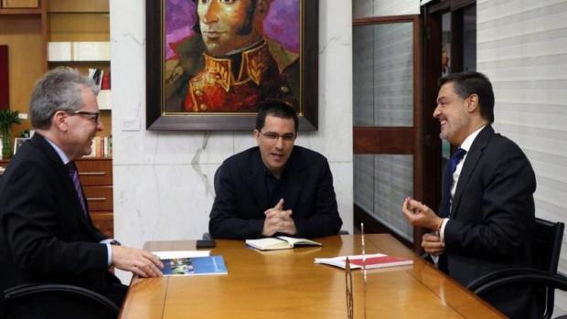Canciller Arreaza y coordinador de la ONU en Venezuela