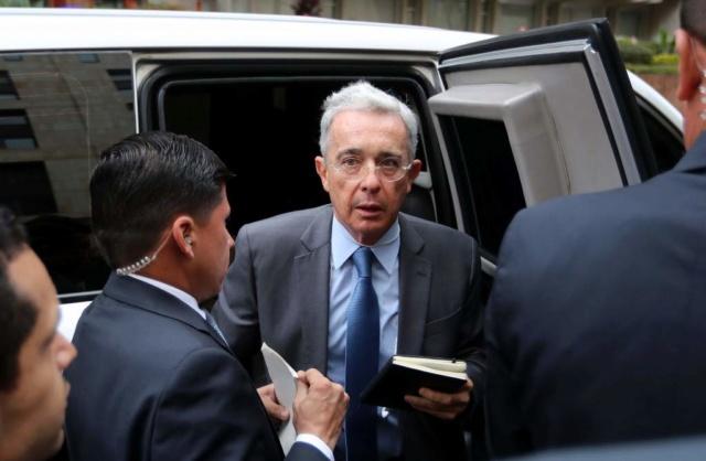Grupo paramilitar funcionaba en propiedad de la familia de Álvaro Uribe Dt_com10