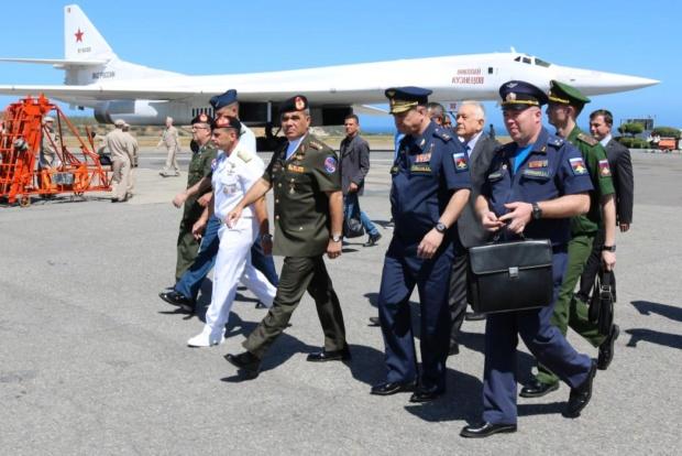 """Venezuela acusa de """"cínica"""" reacción de EEUU sobre cooperación militar con Rusia Due0zz10"""
