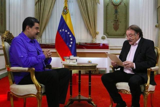 Nicolás Maduro con Ignacio Ramonet