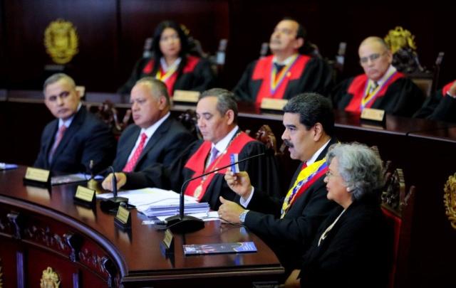 Maduro ordenó cerrar todos los consulados de Venezuela en EEUU Dxtnpt10
