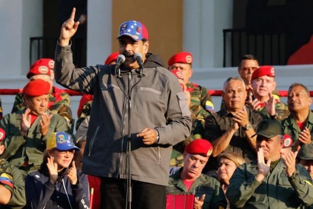 Nicolás Maduro y Militares