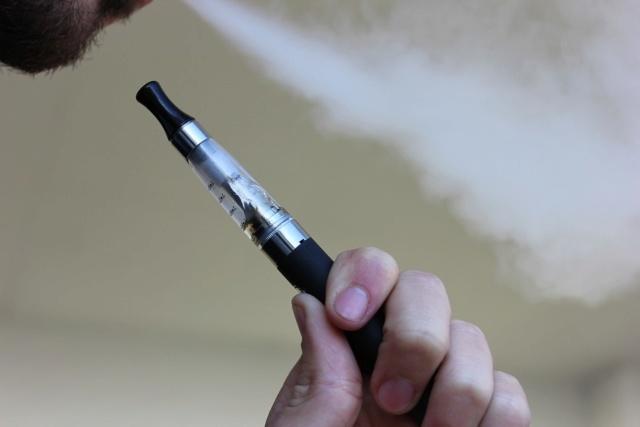cigarrillo electrónico, vaper