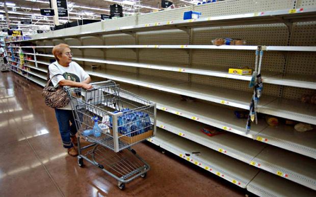 Escondieron alimentos con precios regulados y los no regulados aumentaron precio hasta el triple Escase10