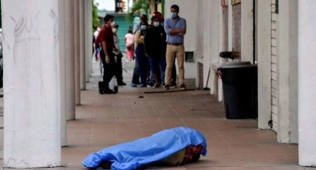 (Vídeos) Terribles momentos vive Guayaquil Ecuador tras centenares de fallecidos en las calles por coronavirus Eujztn10