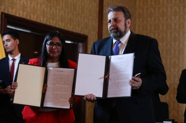 Gobierno venezolano y oposición abren Mesa de Diálogo Nacional