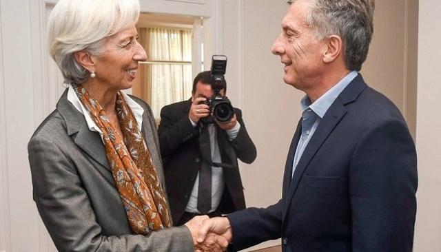 FMI asegura que argentinos tendrán que someterse a sus directrices tras haberle otorgado crédito Fmi-ar10