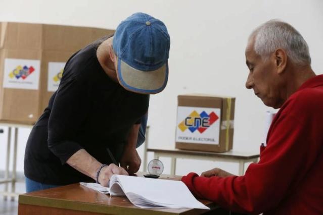 Acompañantes internacionales desmontaron falsas matrices de la UE contra Venezuela Img_2210