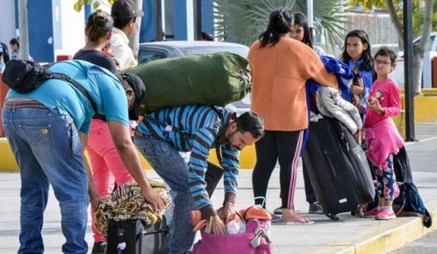 Venezolanos comienzan a abandonar Perú y regresan en grandes grupos a Venezuela Ingres10