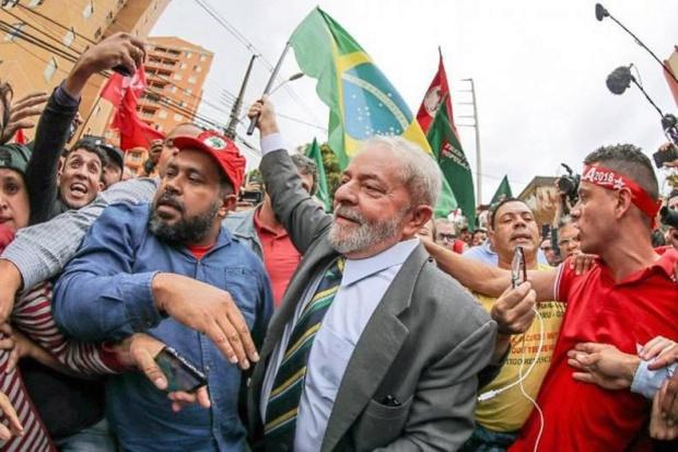 ONU solicita que Brasil permita a Lula ejercer derechos políticos Lulapu10