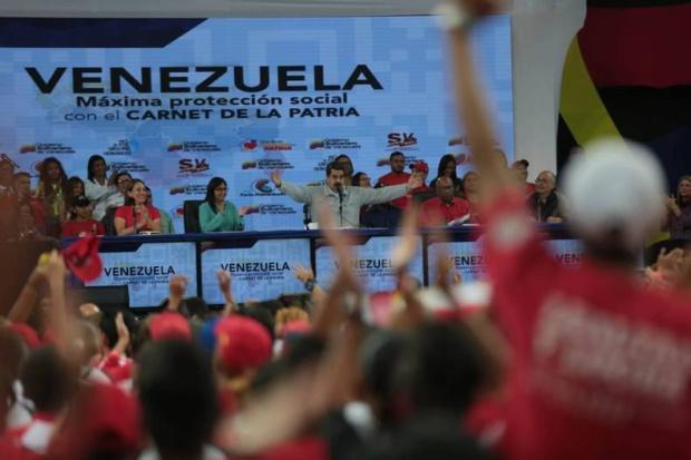 Maduro pide a los venezolanos supervisar en comercios cumplimiento de precios acordados Maduro31