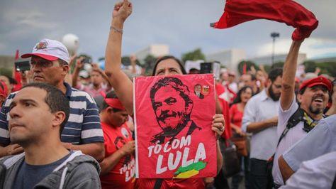 Inscriben oficialmente la candidatura de Lula da Silva para las presidenciales en Brasil Manife10