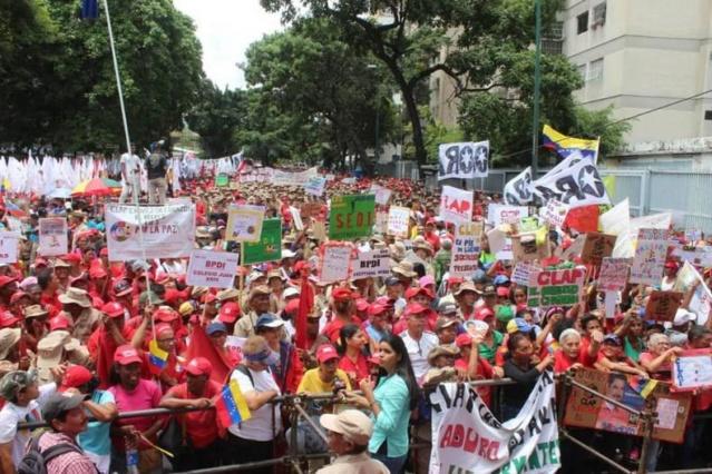 Marcha en apoyo a los CLAP