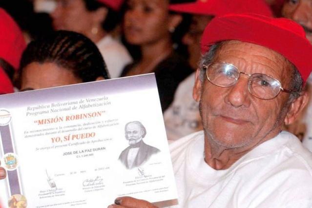 Presidente Maduro: Venezuela erradicó el analfabetismo gracias a la Misión Robinson y a Chávez Mision10