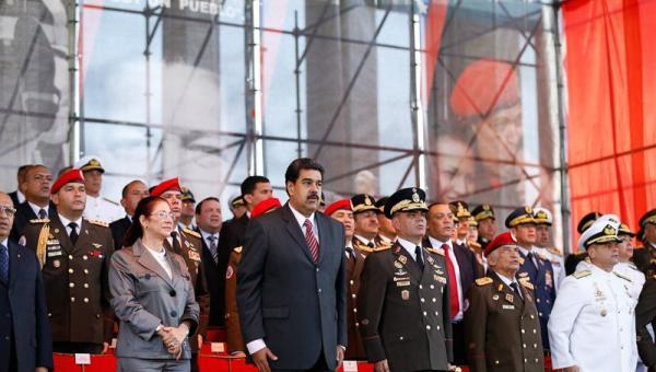 La Fuerza Armada de Venezuela reafirma su apoyo al presidente Maduro Padrin12