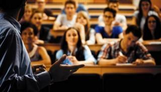 Profesores universitarios recibieron aumento salarial  Profes10