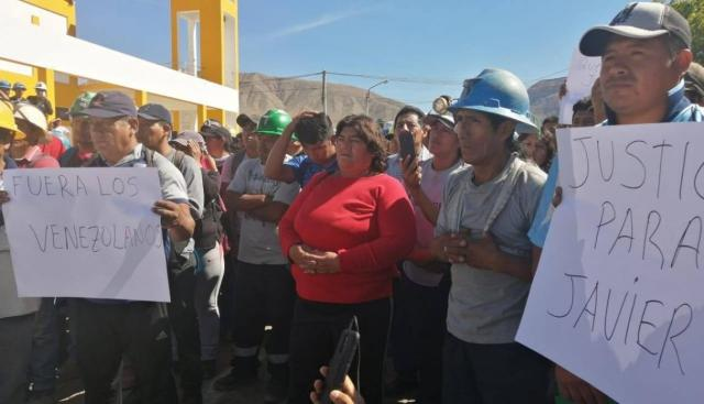 En Caravelí, decenas de personas marcharon exigiendo justicia por la muerte de los empresarios