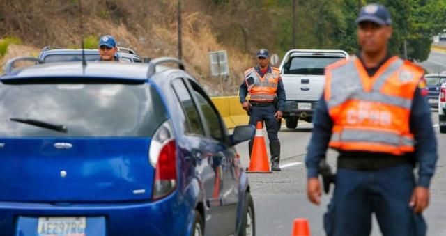 Gobierno Nacional supervisa movilización de temporadistas en Autopista Regional del Centro