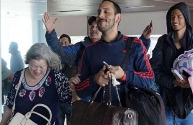 Venezolanos retornan desde Chile