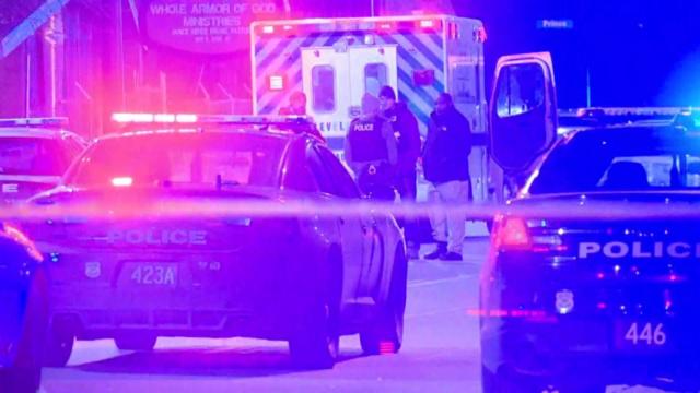 Un hombre armado de 51 años mata a 16 personas en Canadá