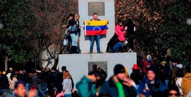 Empresas chilenas consideran la nacionalidad venezolana como la más preparada Venezo10