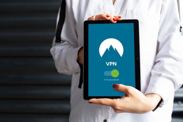 Navegar de forma segura en una red pública de Wi-Fi